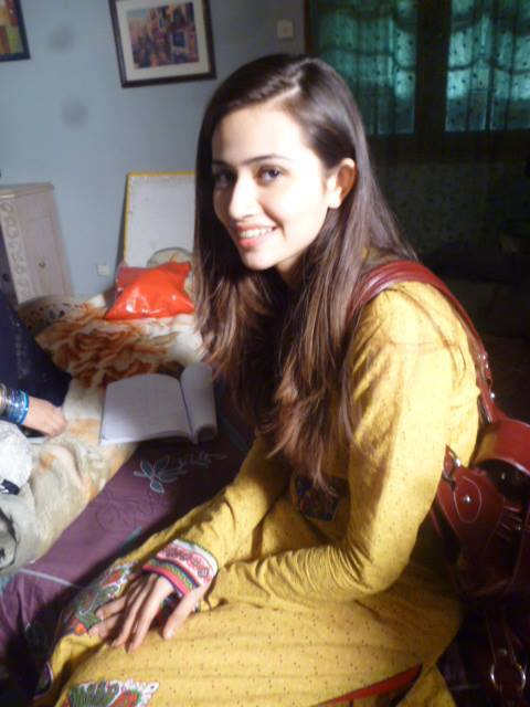Sana Javed Wallpapers