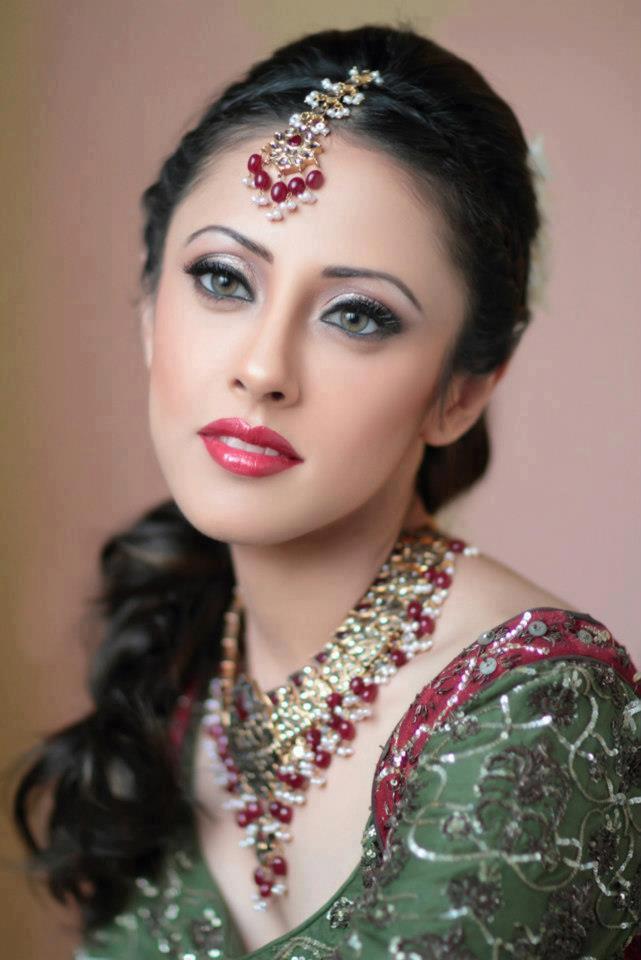 Ainy Jaffri Images