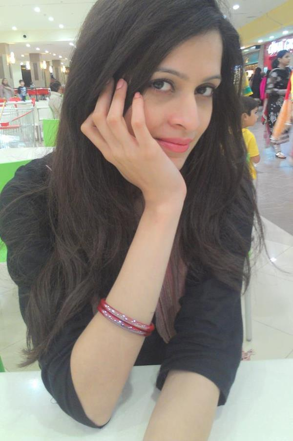 Arij Fatyma Pictures