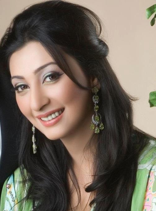 Ayesha Khan Pics