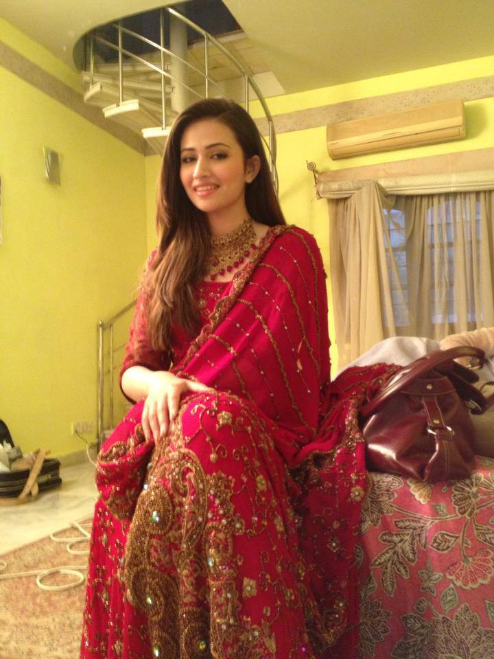Sana Javed Pictures