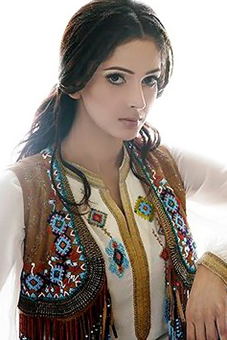 Saba Qamar Pictures