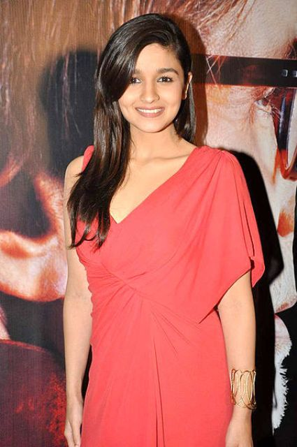 Bollywood Beautiful Actress Alia Bhatt Pics