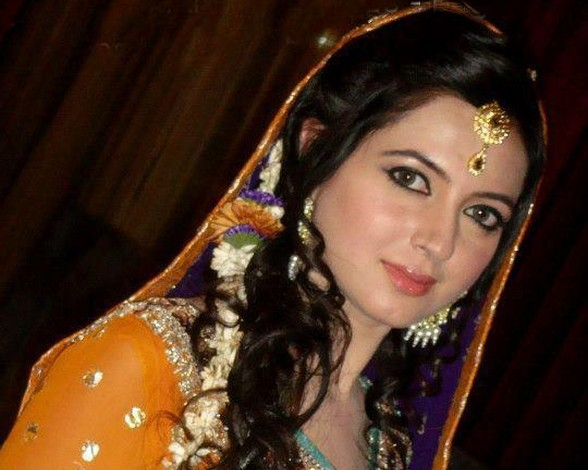 Atif Aslam Beautiful Wife Sara Bharwana Pics