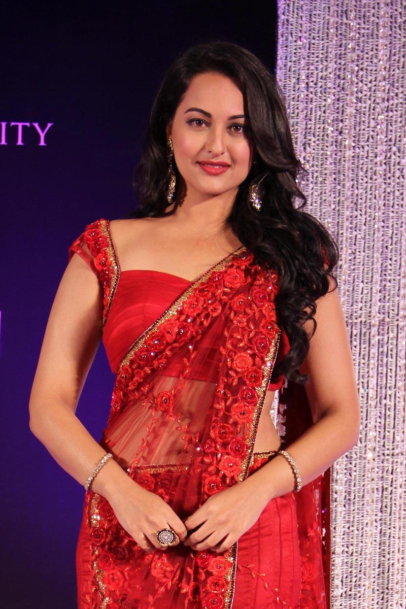 Sonakshi Sinha Hot Pics Livetvpk Actors Celebrities