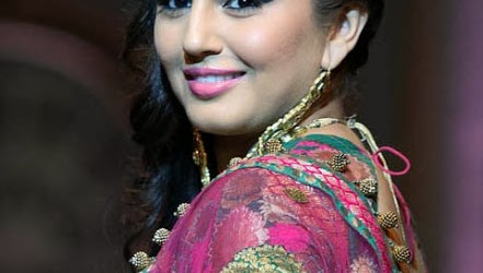 Huma Qureshi Hot Pics