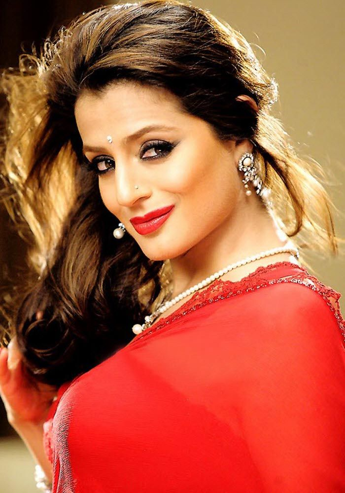 Recommend Sexynude and fukking images of amisha patel like topic