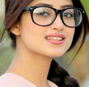 Pakistani-Fashion-Model-Sajal-Ali-002