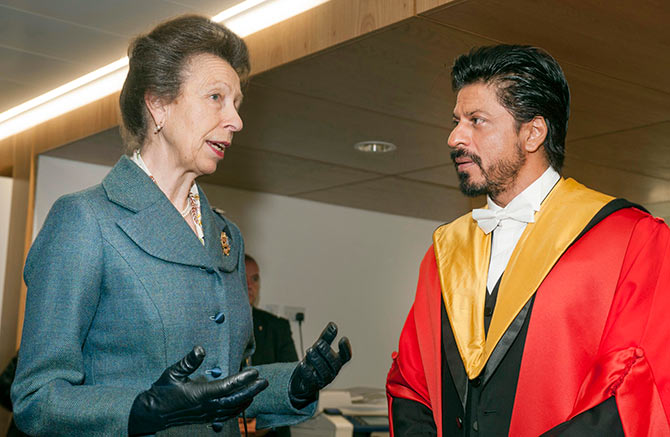 SRK Talking With University's Chancellor