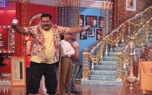 Salman Khan and Sonam Kapoor in Kapil Sharma Show 09