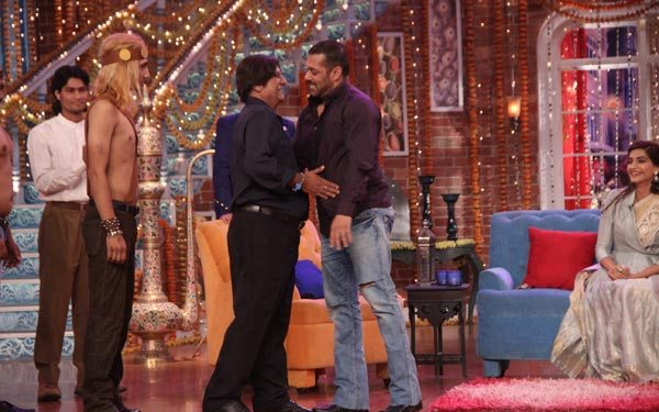Salman Khan and Sonam Kapoor in Kapil Sharma Show 03