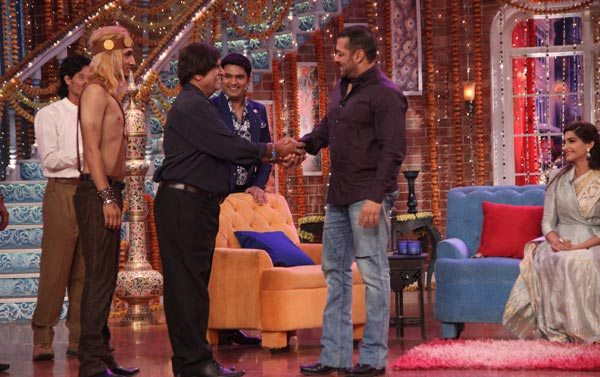 Salman Khan and Sonam Kapoor in Kapil Sharma Show 02