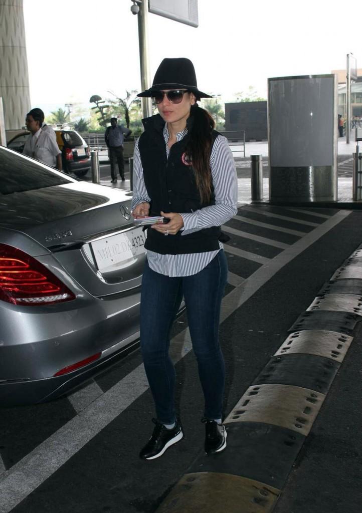 Kareena Kapoor Khan's airport look 03