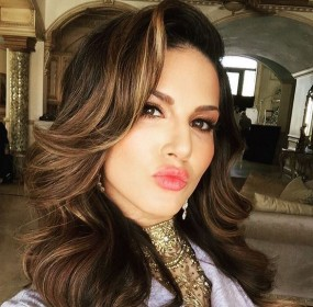 Sunny Leone Latest Instagram Hot Pictures