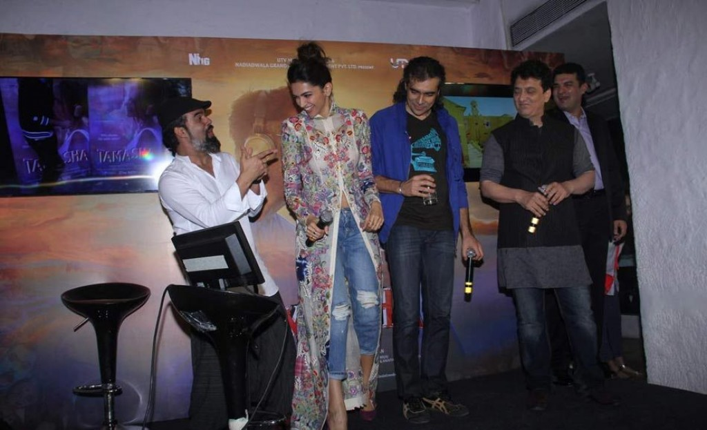 Deepika at 'Wat Wat' Song Launch From 'Tamasha' 03