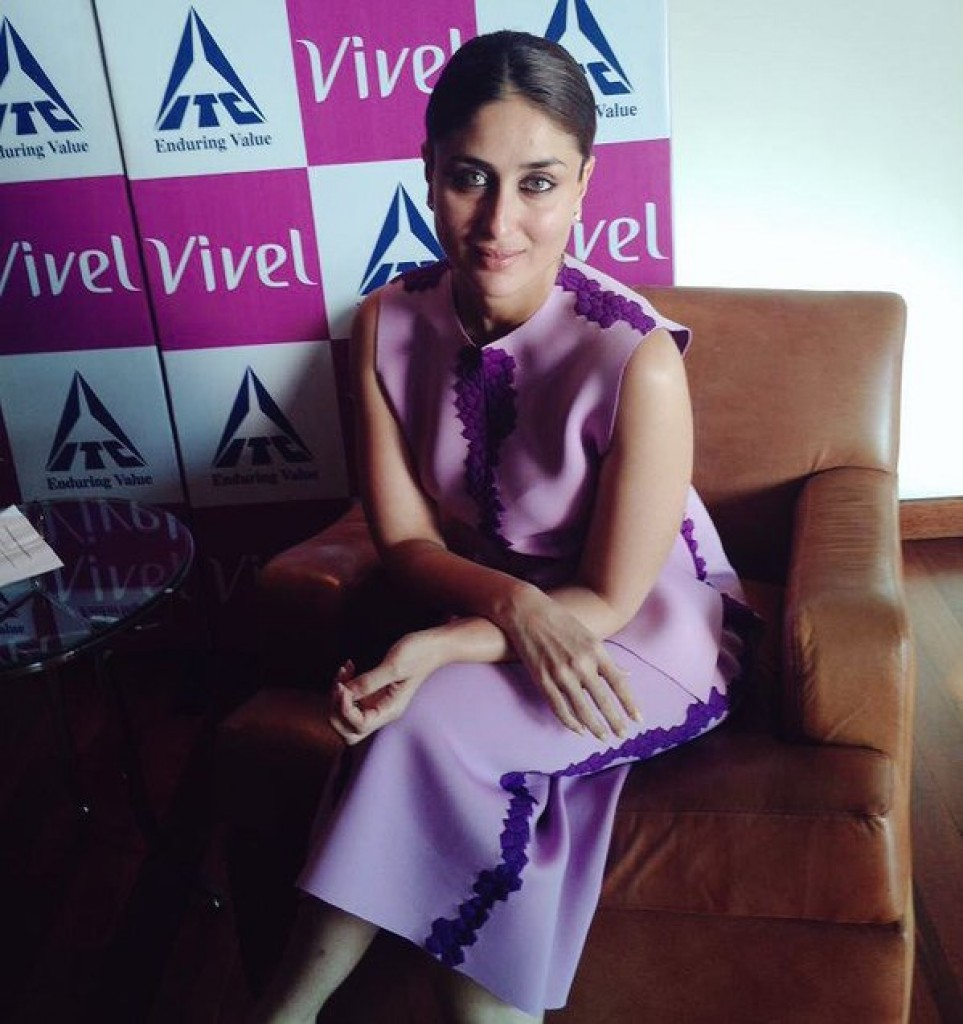 Kareena Kapoor Khan at Vivel Event 01