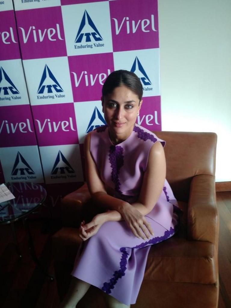 Kareena Kapoor Khan at Vivel Event 09