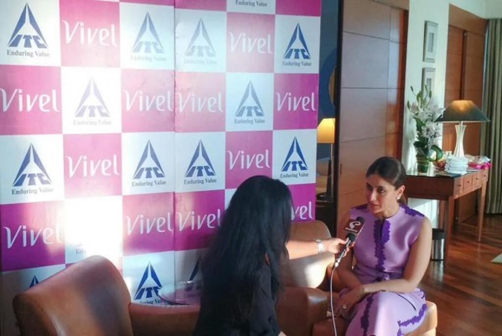 Kareena Kapoor Khan at Vivel Event 02