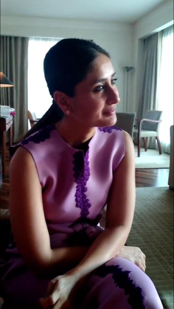 Kareena Kapoor Khan at Vivel Event 06