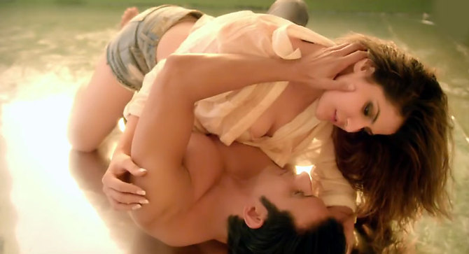 Zarine Khan Latest Pictures in Hate Story 3 09