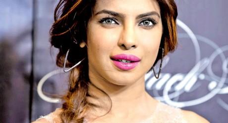 Priyanka Chopra Nominates for Teen Age Award in Hollywood