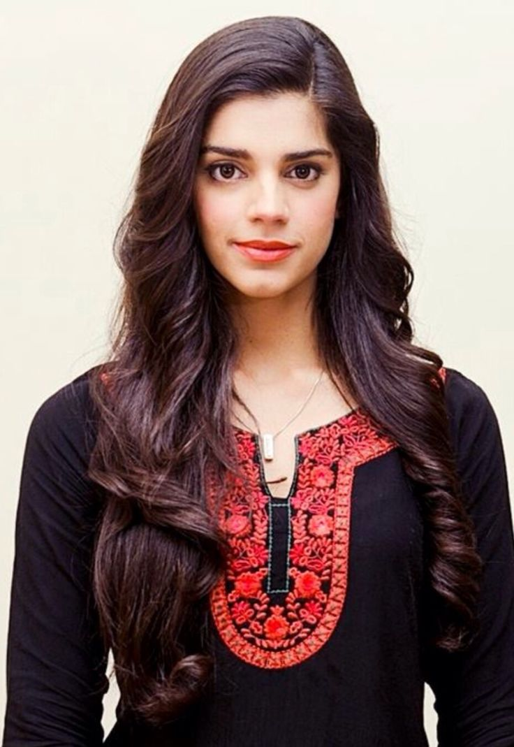 Sanam Saeed Nude Photos 36